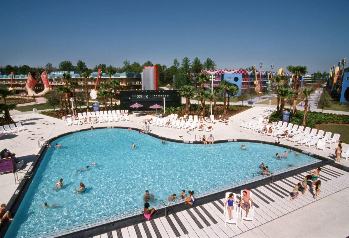 Pool-Hotel-Disney's-All-Star-Music-Resort-USA
