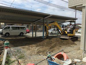 家庭用プールがあるホームリゾート外構工事中