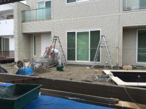 兵庫県姫路市にて家庭用プール施工に伴う新築外構をおこなっています