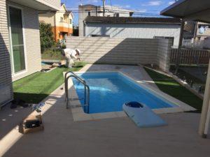 プールのあるホームリゾート空間を施工中
