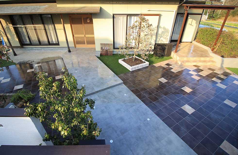 タイルで作る和モダンな外構へリフォーム!600角のタイルですっきりと高級感ある玄関アプローチ
