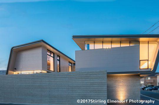 どこからでもプールが眺められる建築 (5)