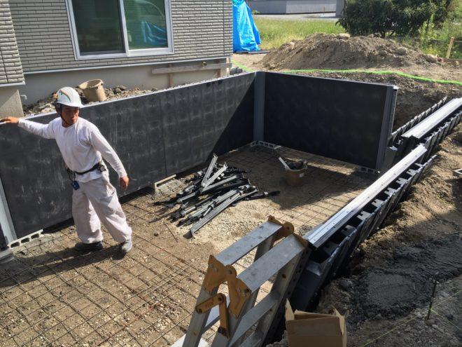 家庭用本格プールを施工中 (33)