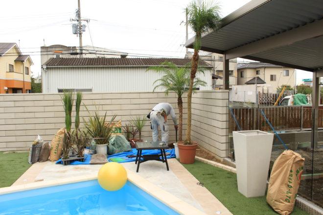 プール周りの植栽工事