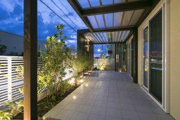 神戸市垂水区の夜も明るいテラス