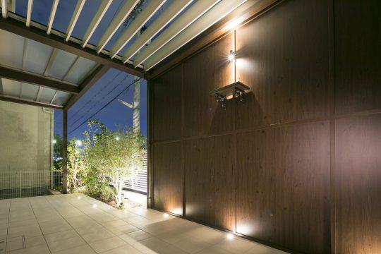 神戸市垂水区のライティングがお洒落なテラスの施工例